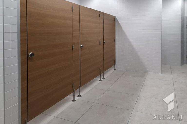 kabiny WC w hotelu