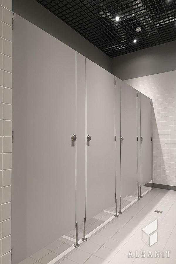kabiny HPL w toalecie