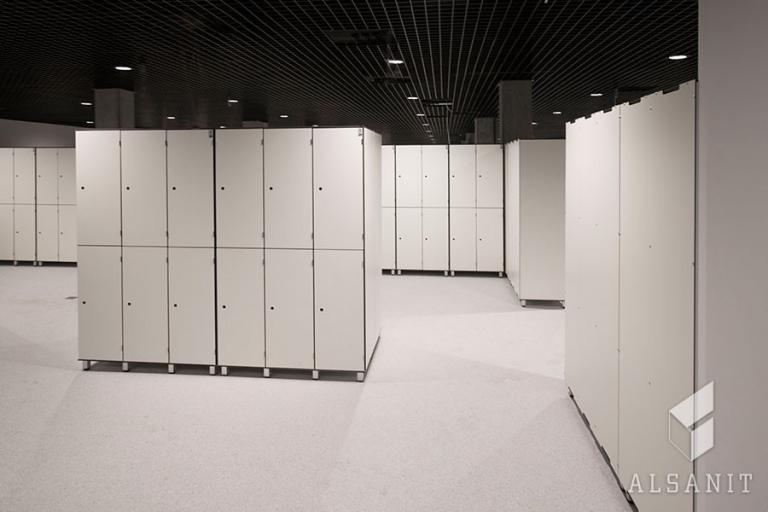 Šatní skříňky z HPL