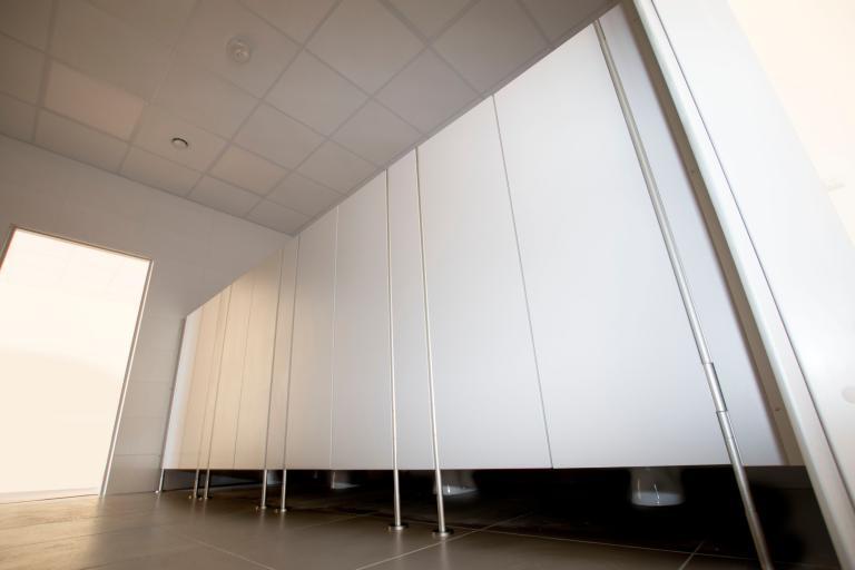 Sanitární kabiny pro mateřské školy - vysoké sloupky